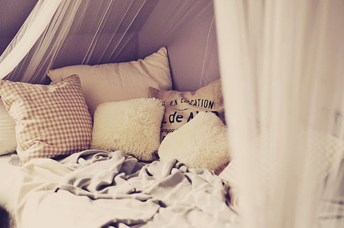 bed-bedroom-evening-nice-Favim.com-616244